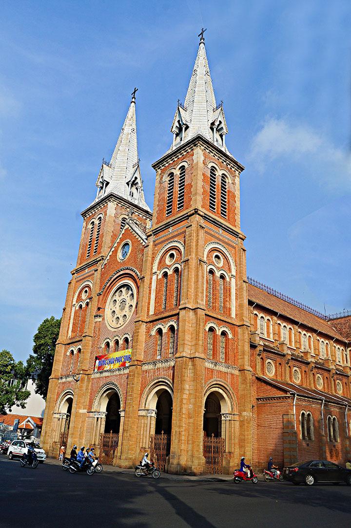 Ảnh chụp kiến trúc nhà thờ Đức Bà