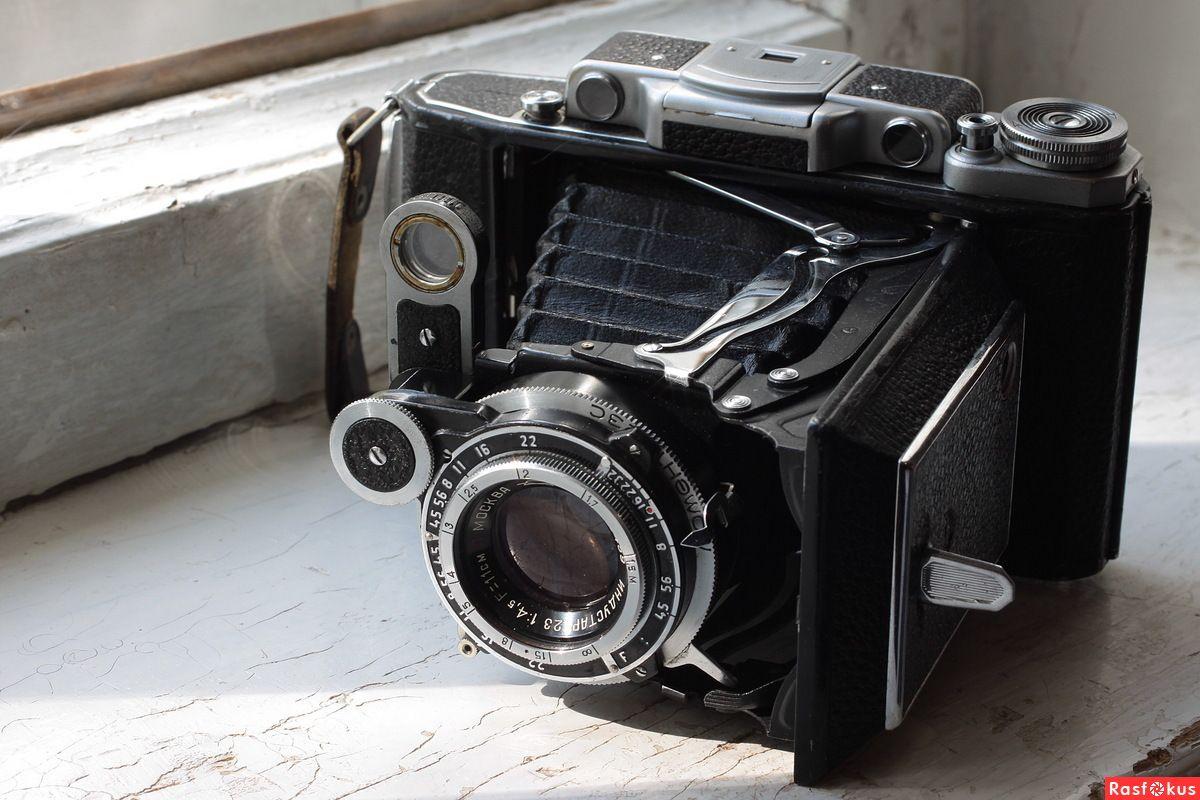 Các hãng máy ảnh ra đời năm 1920
