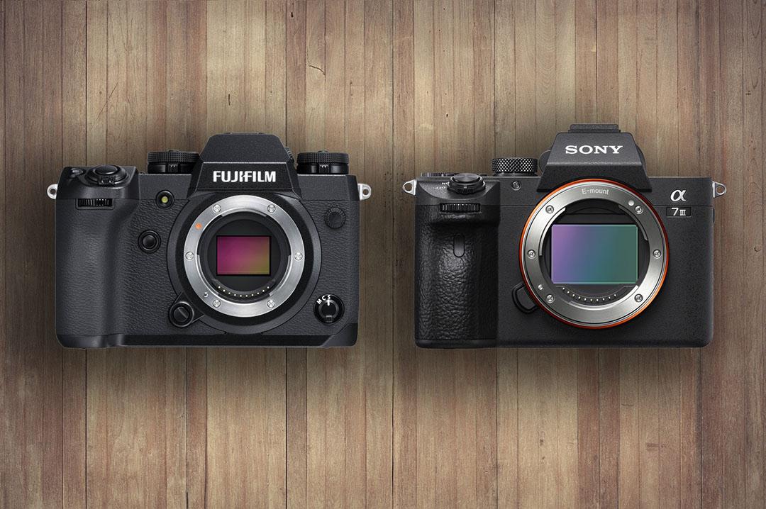 Máy ảnh Mirrorless Sony và Fujifilm