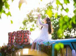 Chân dung trong trẻo ngược nắng đẹp